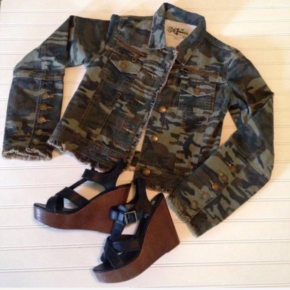 cf679693ececf Sweet T Jackets & Coats   Camo Jean Jacket Fray Hemlike New   Poshmark